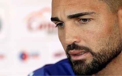 Gilberto explica a discussão que teve com um torcedor na Arena da Baixada