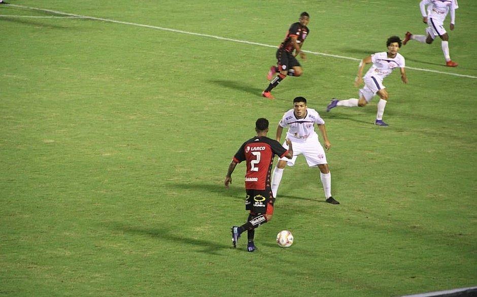 Vitória e Bahia de Feira empatam no Barradão no recomeço do Campeonato Baiano