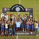 Elenco do Bahia comemora o 49º título estadual do clube