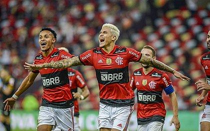 Pedro comemora durante partida contra o Grêmio, a primeira com público no Maracanã desde o início da pandemia