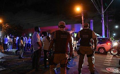 Homem morre depois de ser baleado no Fim de Linha do Pero Vaz