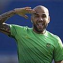 Daniel Alves ainda não definiu o futuro após anunciar que não jogará mais pelo São Paulo