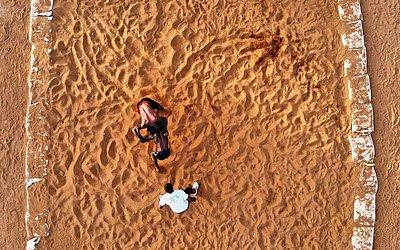 Lutadores do Mali, durante o festival de wrestling tradicional em Bamako.