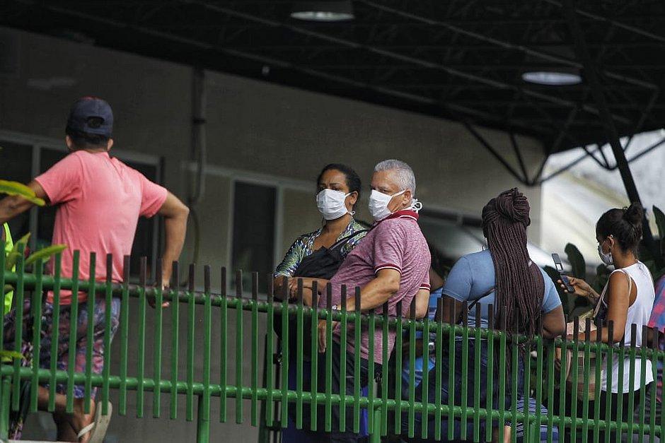Coronavírus: Bahia autoriza tratamento que associa hidroxicloroquina e azitromicina