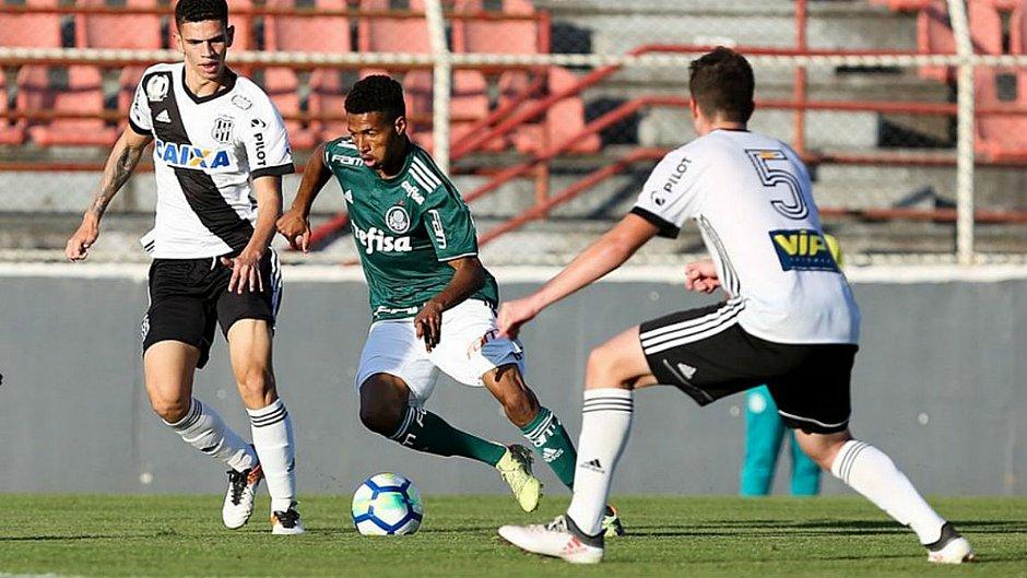 Wesley, 20 anos, é emprestado ao Vitória pelo Palmeiras