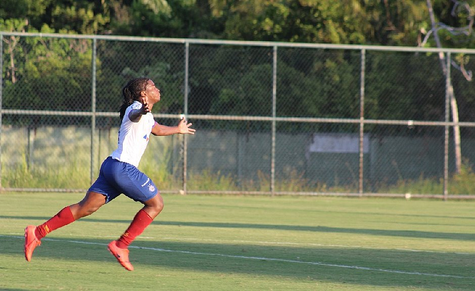 Gol que deu triunfo ao Bahia saiu nos últimos minutos da partida