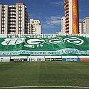 O Estádio da Serrinha estava pronto para receber a partida, adiada após casos de covid-19