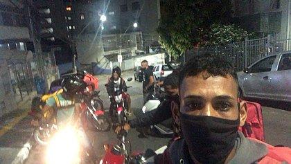 Motoboy diz que sofreu racismo durante entrega em condomínio na Graça
