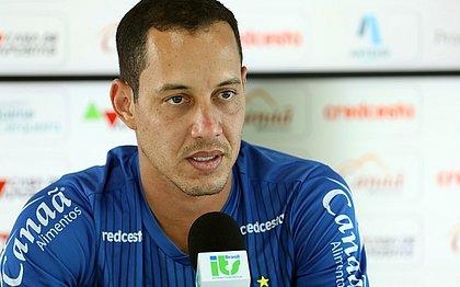 Rodriguinho durante a entrevista coletiva do Bahia