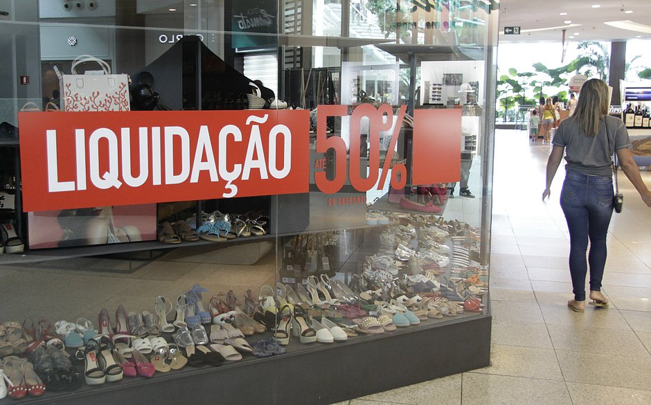 b57b5b40404 Lojas de Salvador darão até 70% de desconto em queima de estoque  veja  promoções