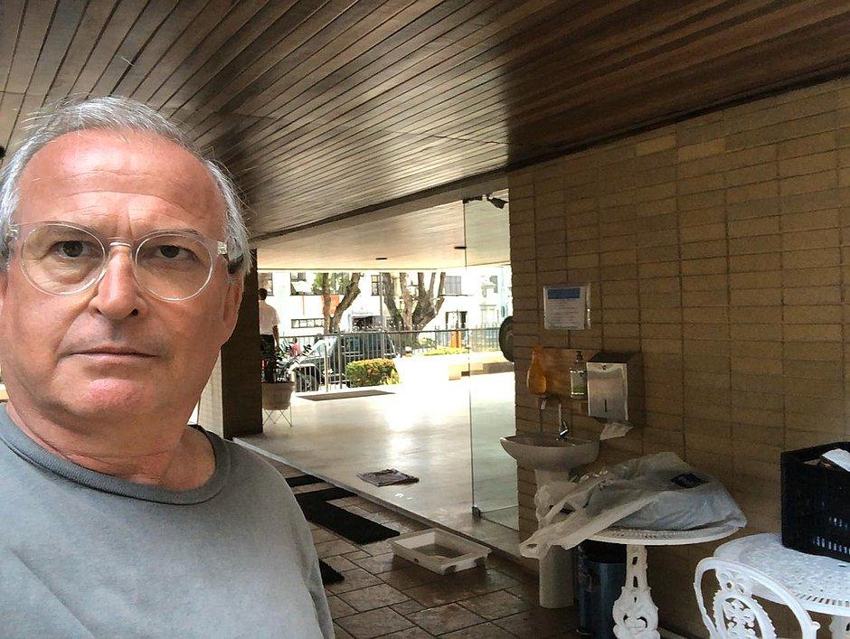 Coronavírus: síndico instala pia na entrada de prédio para ajudar vizinhos idosos