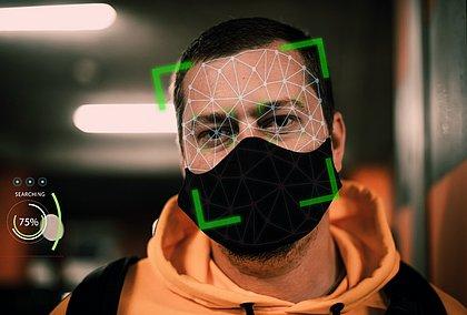 Reconhecimento facial se reinventa para incluir máscaras