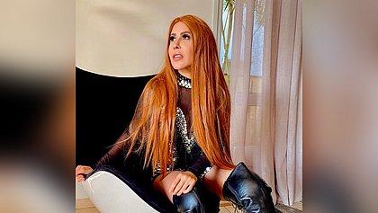 Bate-cabelo atualizado? Joelma quebra a internet ao exibir madeixas ruivas