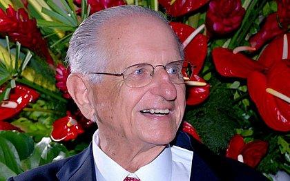 Ex-governador Roberto Santos será enterrado nesta quarta-feira em Salvador