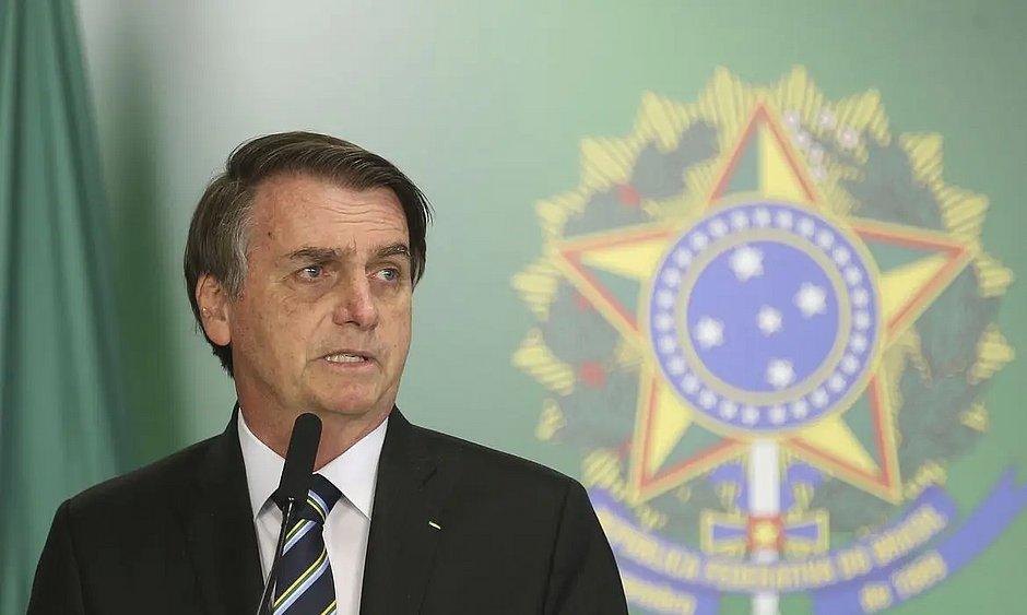 Polícia Federal intima Bolsonaro a depor no caso Moro; AGU recorre ao STF