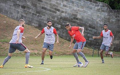 Elenco do Vitória fez mais um treino nesta sexta-feira (2)
