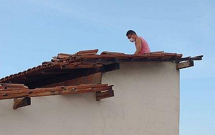Várias casas foram destelhadas no município