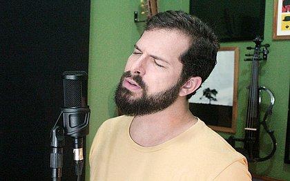 Pedro pagou algumas contas, trocou o notebook e investiu a grana também em um home studio