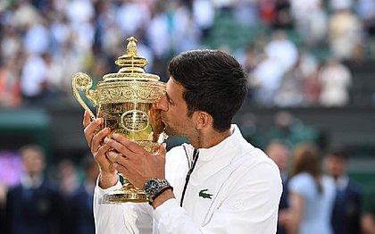 Djokovic bate Federer e é pentacampeão em Wimbledon