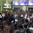 Concorrência de candidatos por cadeira cresceu nas eleições, após o fim das coligações partidárias