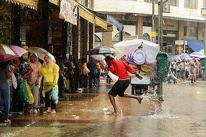 Fecomercio estima em R$ 45 milhões prejuízo com chuva em São Paulo