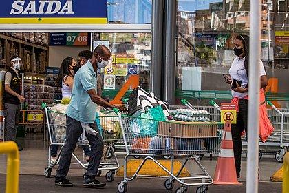 Com anúncio de lockdown, quinta-feira foi de corrida às compras para os soteropolitanos