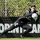 Cássio em treino do Corinthians: time jogará em Saquarema contra o Retrô