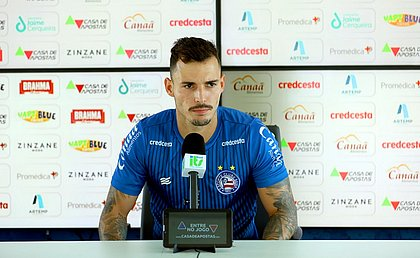 Zeca pode ganhar disputa e iniciar entre os titulares contra o Goiás
