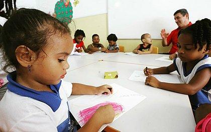 Escolas municipais ainda têm 22 mil vagas para alunos; aulas começaram hoje