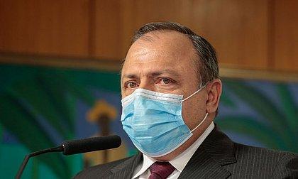 Ministro interino da Saúde diz que vacina de Oxford é a melhor opção para o Brasil