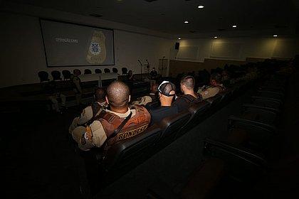 Polícia deflagra operação contra tráfico e roubos a bancos na BA e em SP