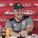 Geninho confia que o Vitória irá acabar com o fantasma do rebaixamento diante do CRB, no Barradão