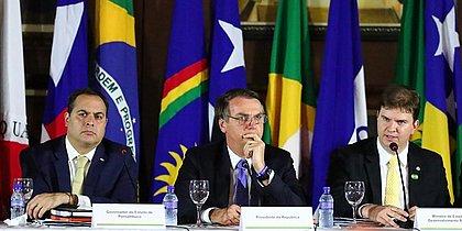 Bolsonaro participa de coletiva no Instituto Ricardo Brennand, em Recife