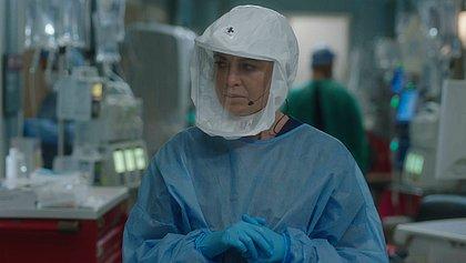 Ellen Pompeo confirmou mais uma temporada como a médica Meredith Grey,