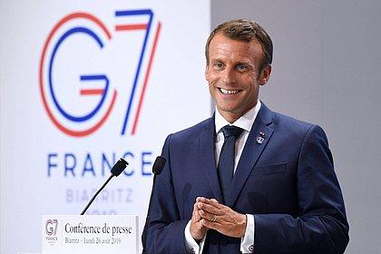 Presidente da França defende doação de 13 milhões de doses de vacinas para África