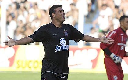 Ronaldo, após marcar gol no jogo de ida da final do Paulistão de 2009