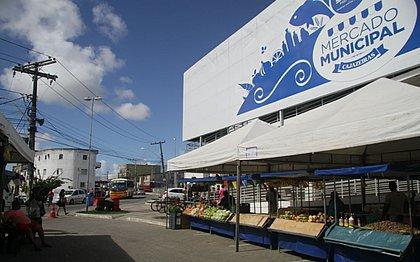Parte do mercado foi destruído por conta de um incêndio em junho de 2017