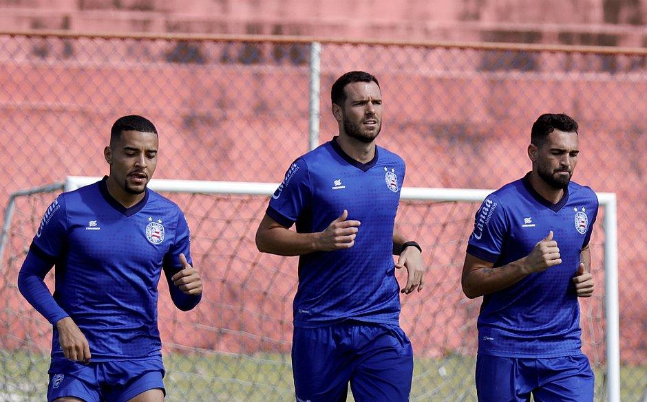 Gregore, Lucas e Gilberto estão garantidos no jogo