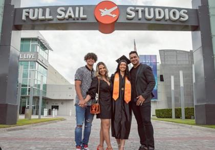 Filha de Carla Perez e Xanddy se forma nos Estados Unidos: 'Nossa princesa'