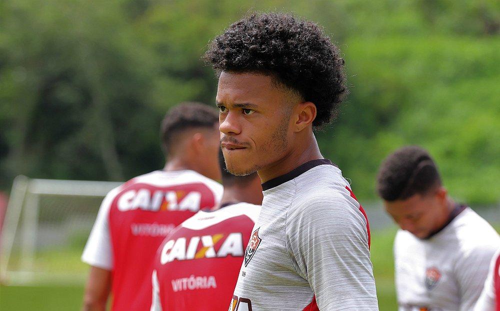 Mateus Rodrigues já teve chances no profissional (Maurícia da Matta   EC  Vitória 7599693420e72