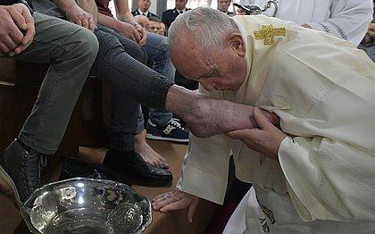 Ato celebra a humildade de Jesus perante seus apóstolos na noite anterior à sua morte
