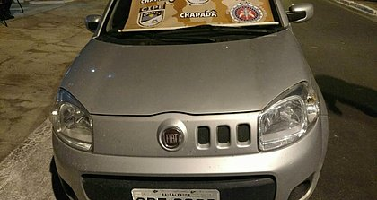 Dois carros roubados em SP e MG são encontrados na Chapada