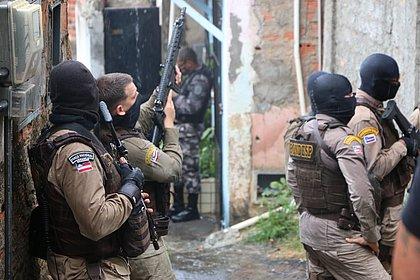Nordeste de Amaralina: confrontos terminam com PM baleado, um suspeito morto e três feridos