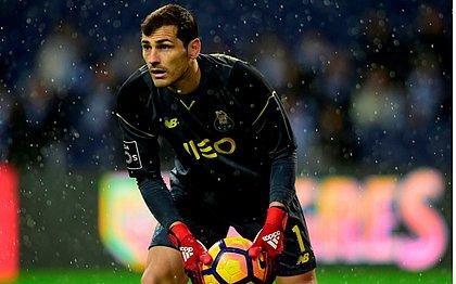 Goleiro do Porto, Casillas sofre infarto, mas tem quadro estável