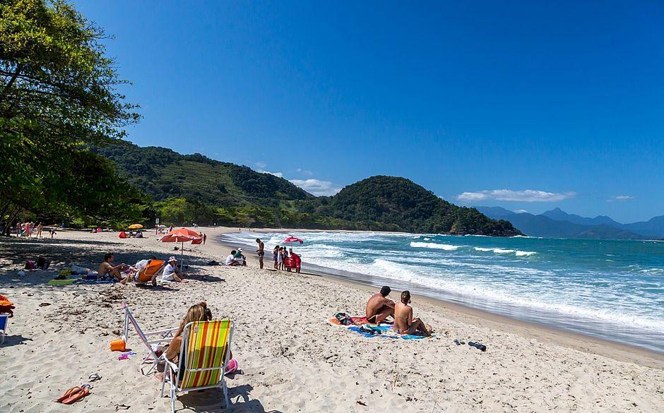 Quem  prefere tranquilidade pode encontrar praias quase desertas, como Almada e Prumirim