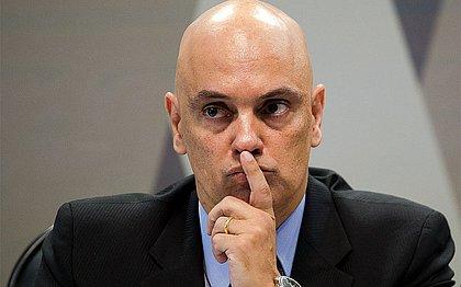 Moraes determina quebra de sigilo de investigados e bloqueio de perfis na web