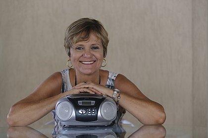 Magaly Moreira, ouvinte da 90,1 desde a inauguração da rádio
