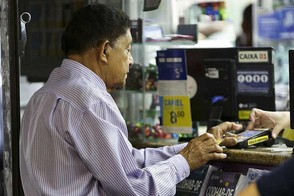 Atenção, idosos! INSS faz alerta sobre fraudes em crédito consignado