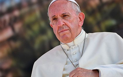 Papa diz que Amazônia sofre com mentalidade cega e destruidora que favorece lucro