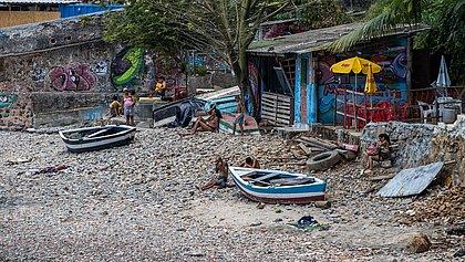 Praias localizadas na Gamboa entraram na rota de lazer em Salvador. Comunidade local teme aglomeração
